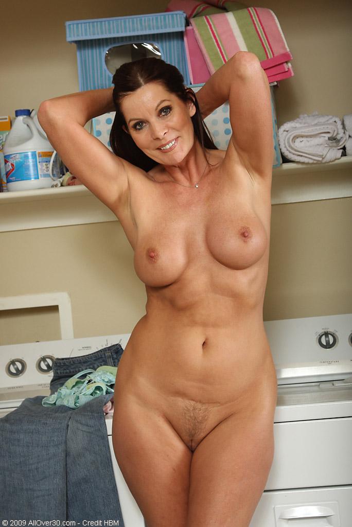 голые женщины 30 лет фото