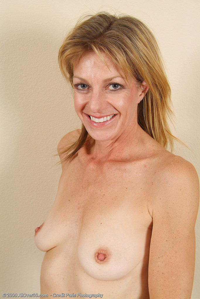 Laurie Model Nude