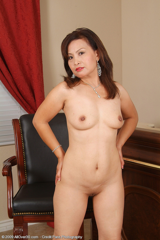 indonesia naked mature picture