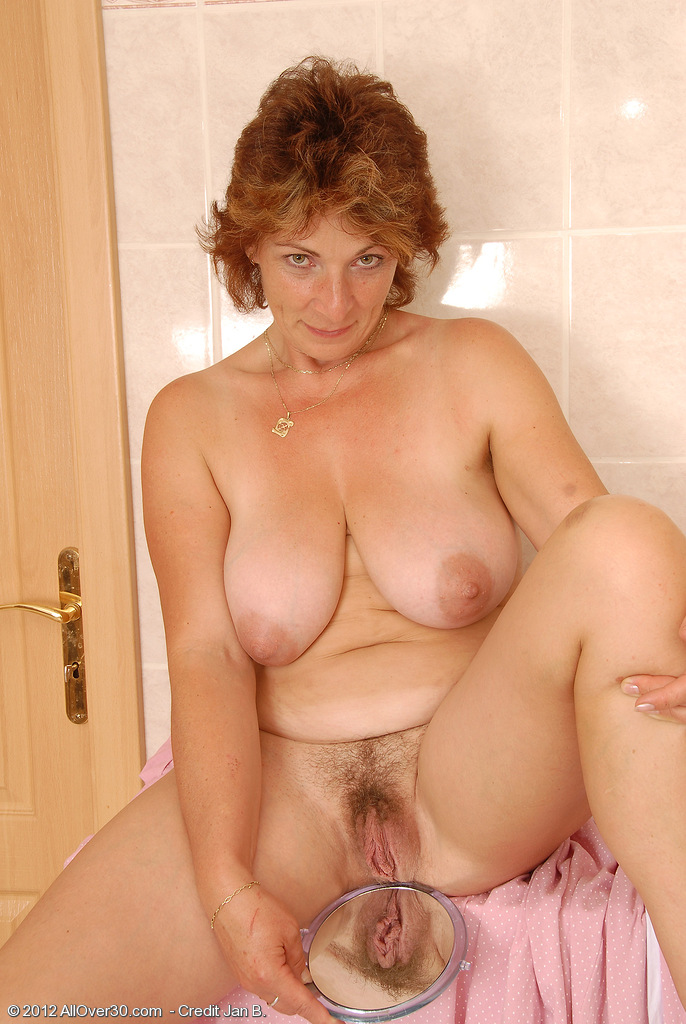 Mature women over 30 nude