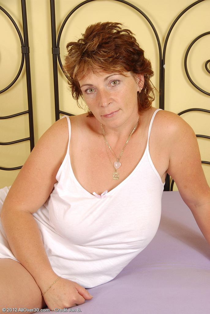 Misti from AllOver30