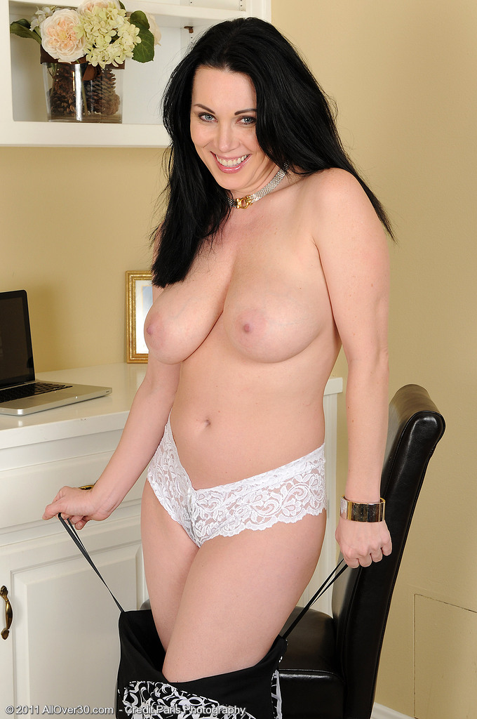 Rayveness allover30