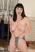 RayVeness is one hot babe from All Over 30