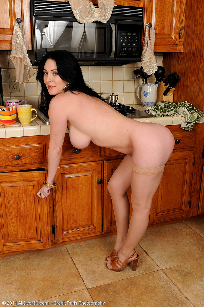 Flexible milf cecilia will fulfill all your unusual wishes