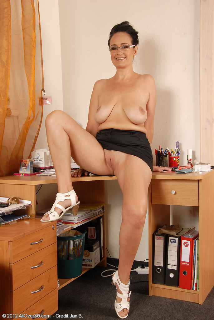 Milf secretary ria black takes a break from accounting 4
