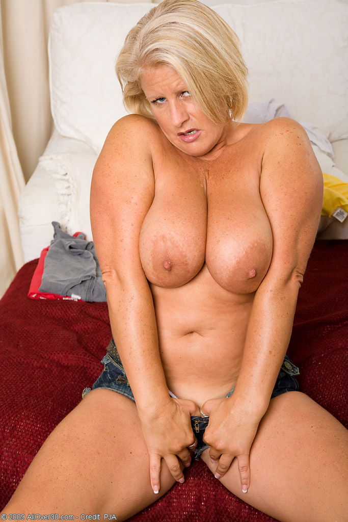 Apologise, but nude mature photo thumbs 8811 all