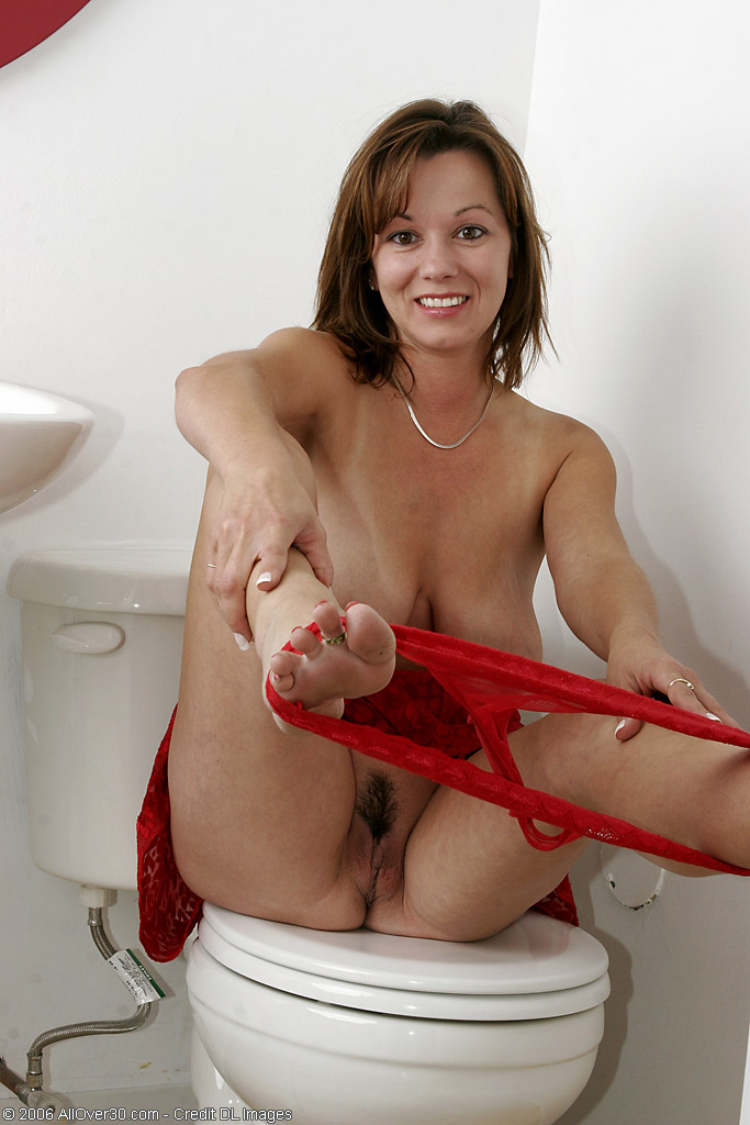 image Anna joy fingers her hot wet pussy and gets off in stockings