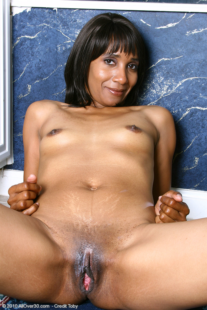 Sexy ebony milf photo galleries — photo 11