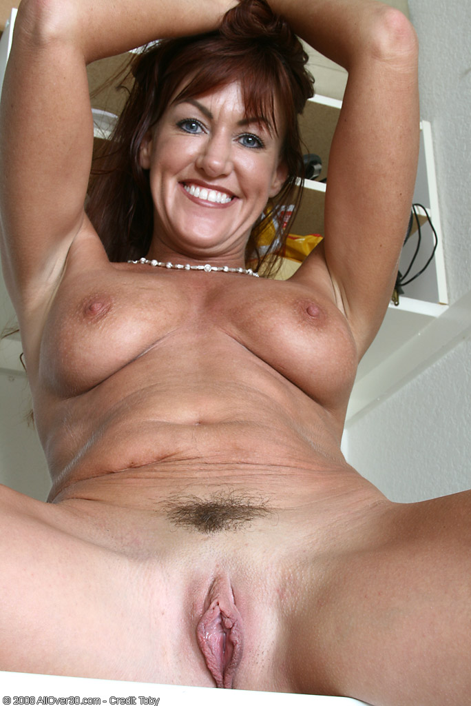 long haired 40 year old shauna pinches her nipples from all over 30