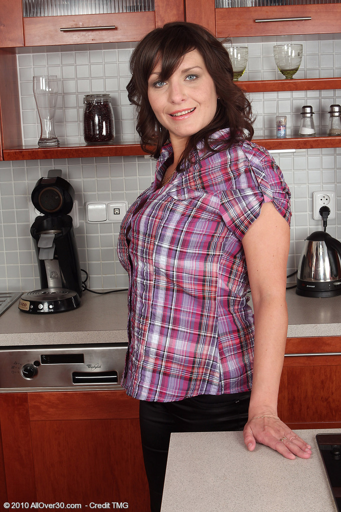 Sophia M from AllOver30