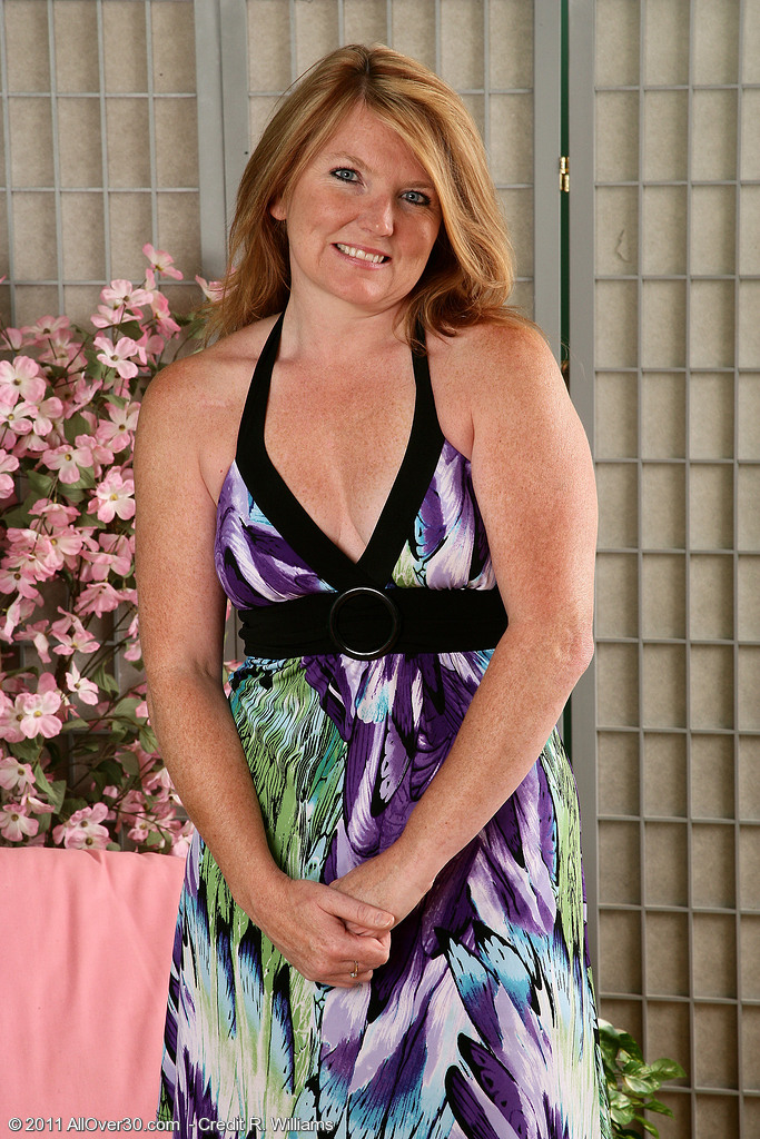 Stacie3 from AllOver30