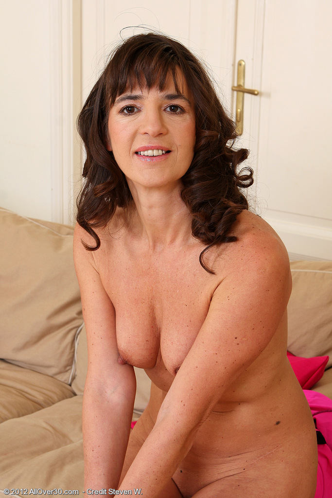 Older women naked cellphone pics #5