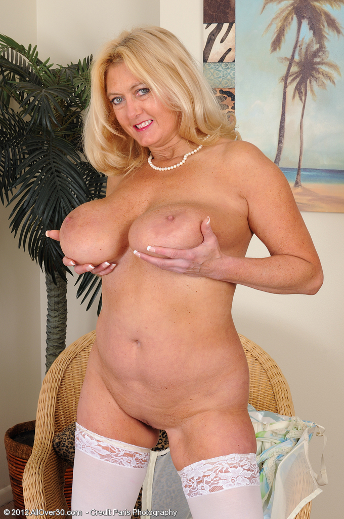 Are older mature tits juggs