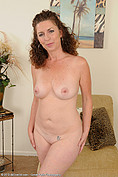 46 yo Tammy Sue shows her coochy from All Over 30