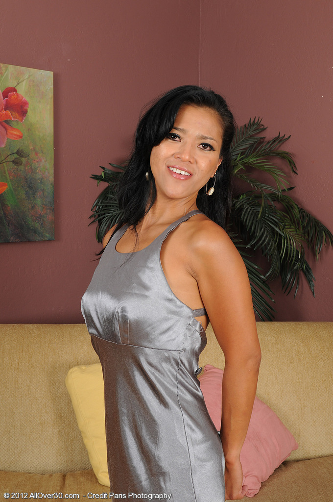 Tia Shelby from AllOver30