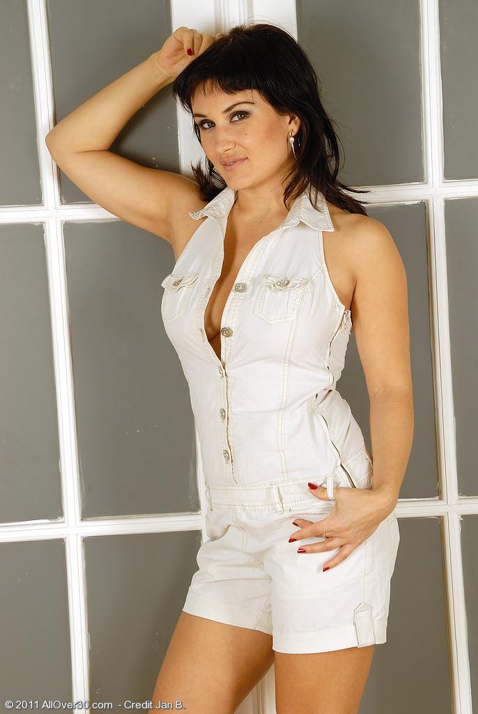 Valentina3 from AllOver30
