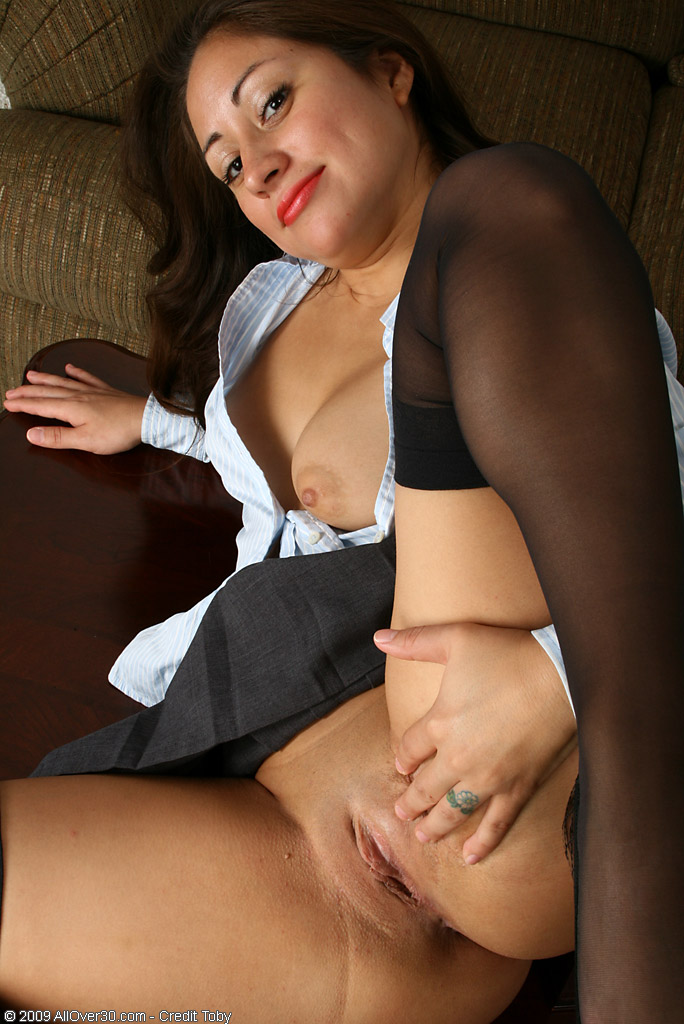 Adult finder mature playing with pussy 6