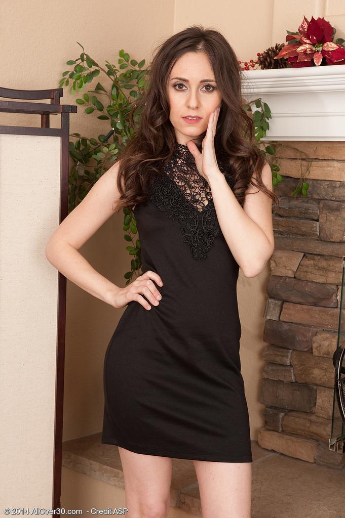 Vianna Lovely from AllOver30