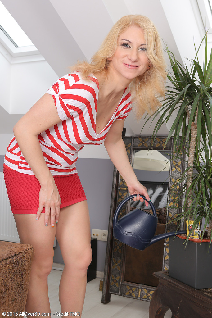 Viktoria Zashu from AllOver30
