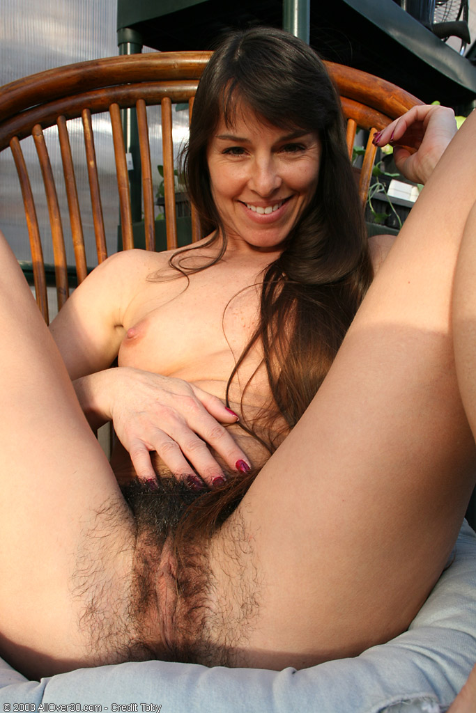 Pichunter over 30 milf hairy pussy