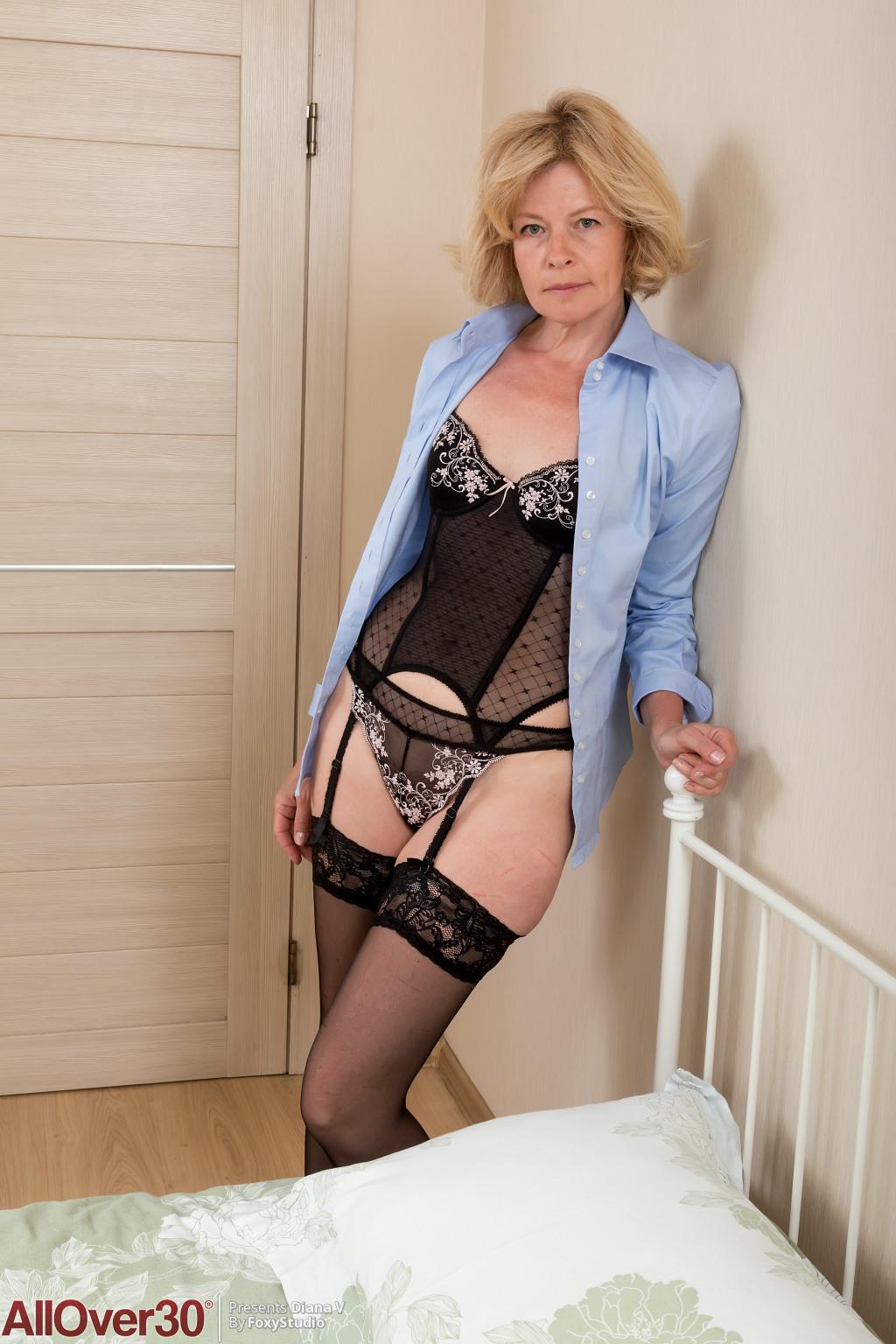 Diana V from AllOver30