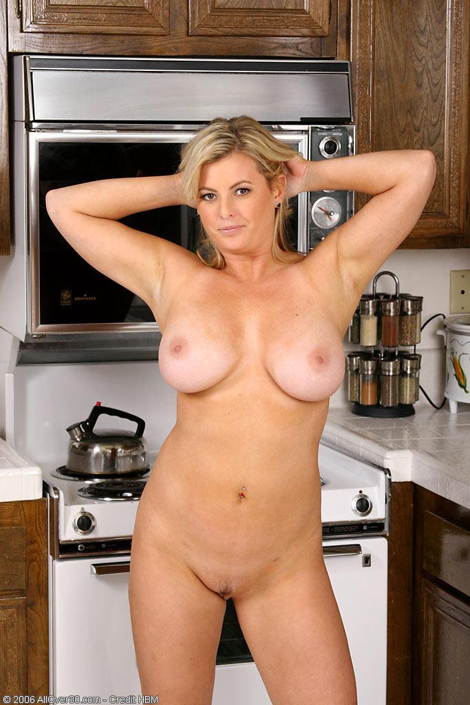 Зрелые голые телки онлайн 12