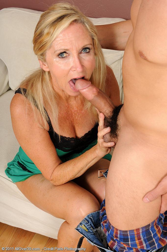 Mom likes studs dick