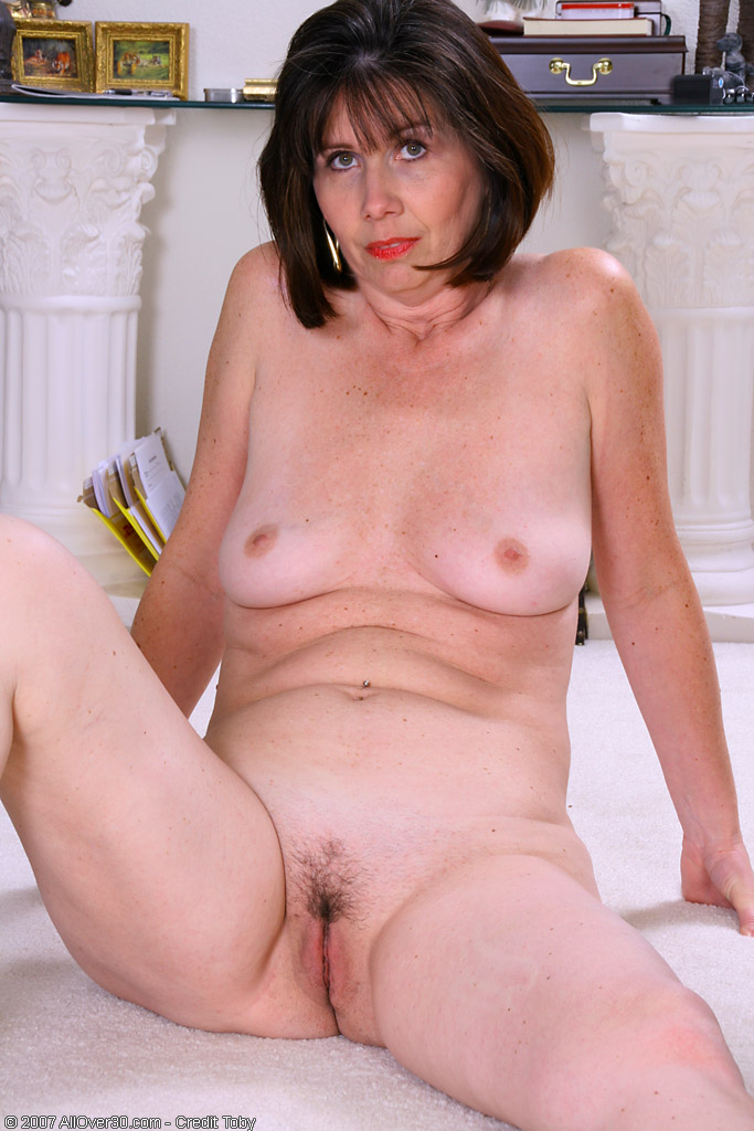 nude-christine-baranski-in-story-mom-with-a-hot-pussy