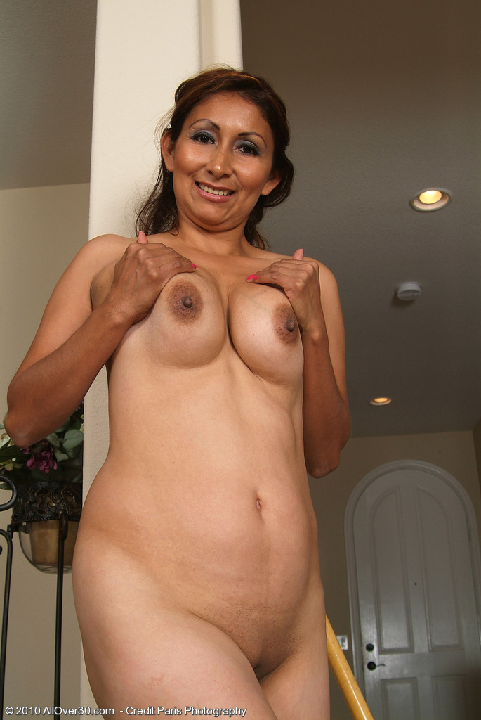 My first time with a lesbian milf