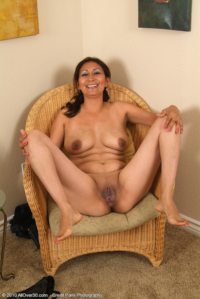latina-mom-nude-free-gallery