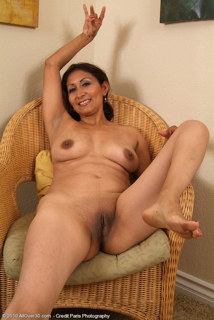 Allover30Com - Introducing 32 Year Old Jesse-4290