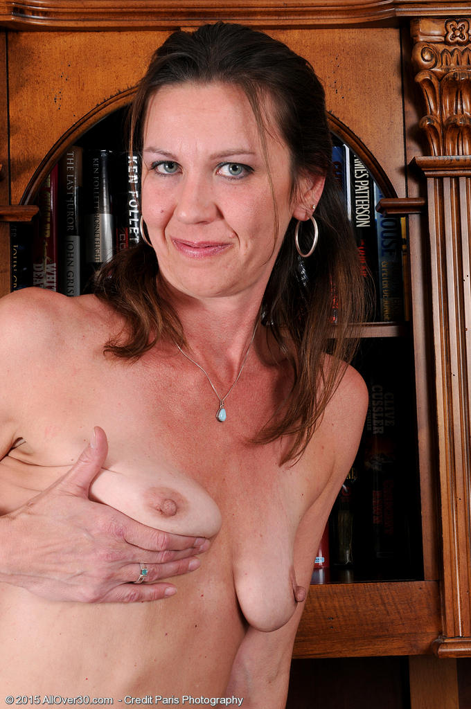 Mature small empty saggy tits