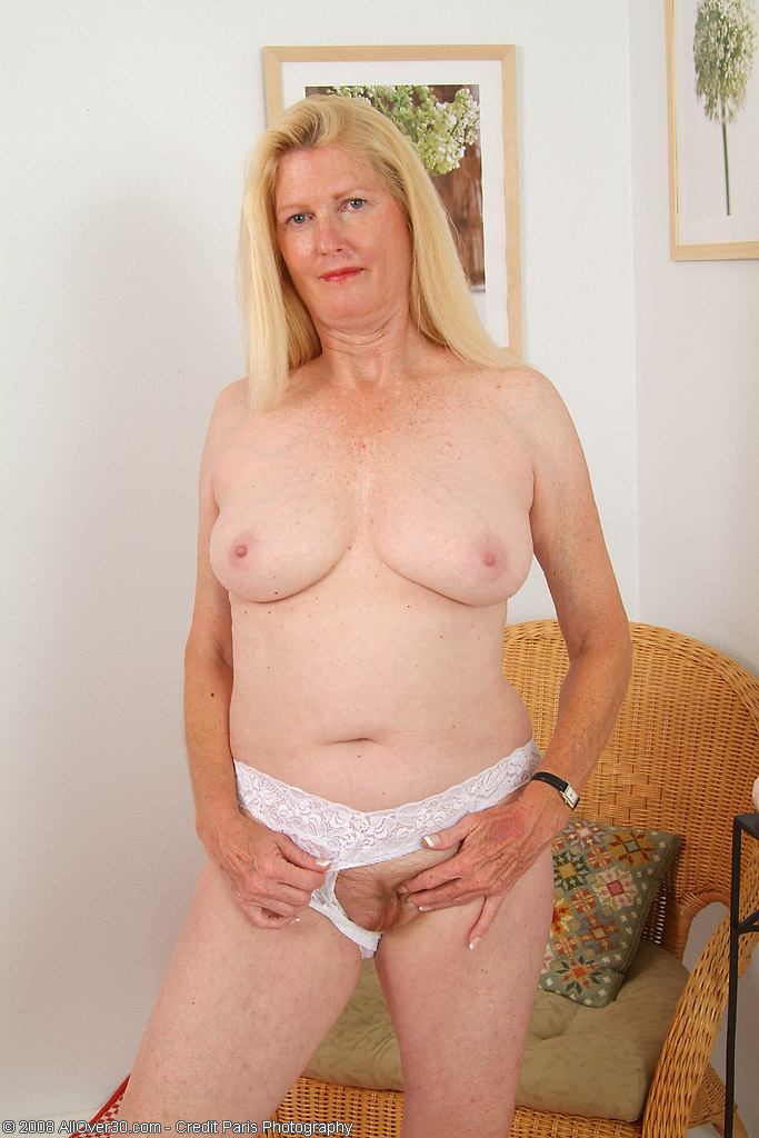 55 Year Old Milf 35281  55 Year Old Josie Loves To Show Of-7394