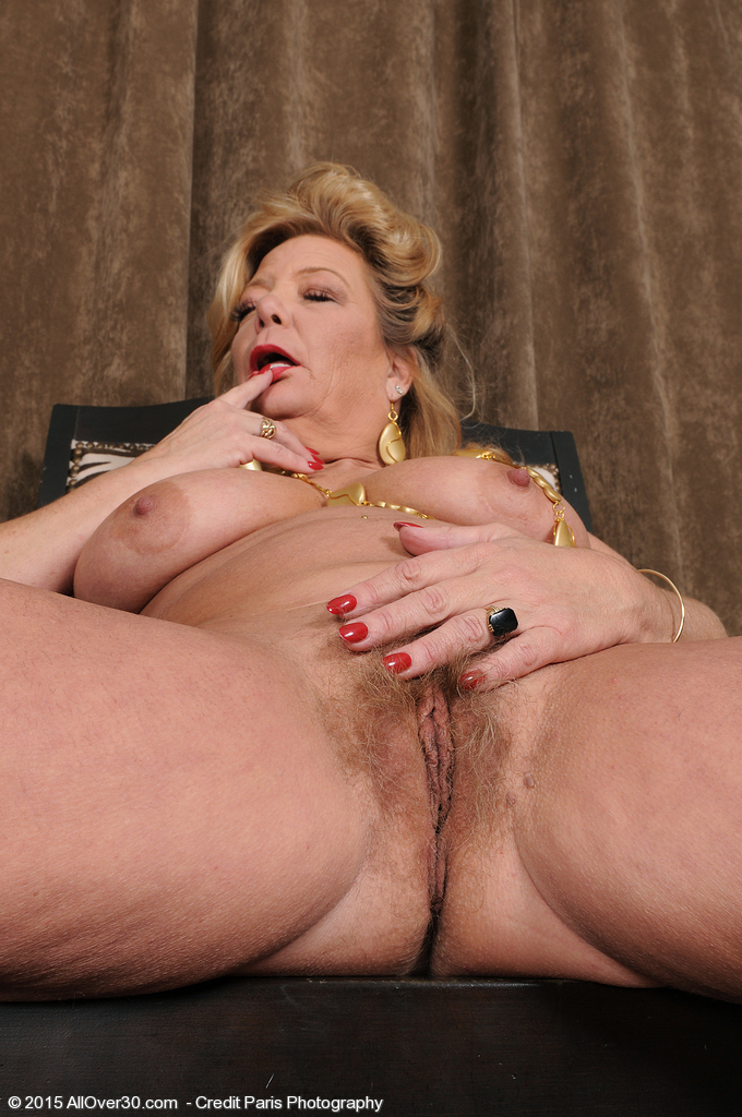 Mature Pictures Featuring 52 Year Old Karen Summer From ...