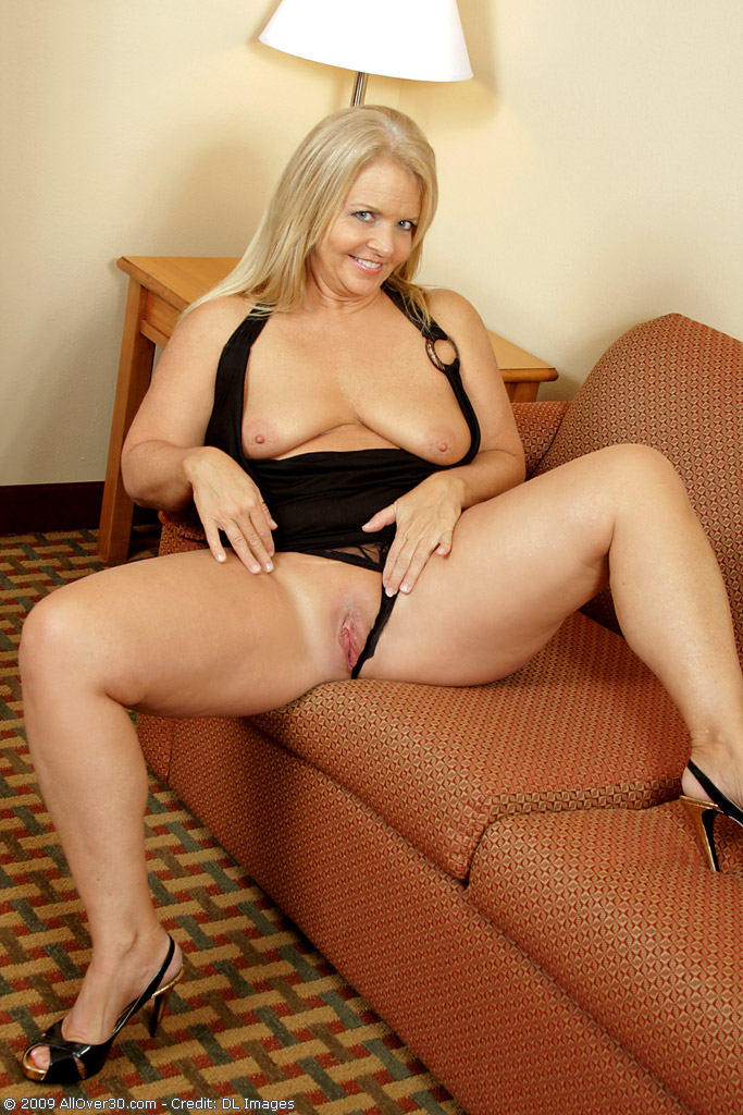 Blonde Milf Interracial Hd