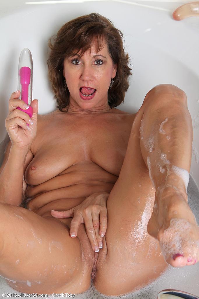 Old ladies bath porn clips