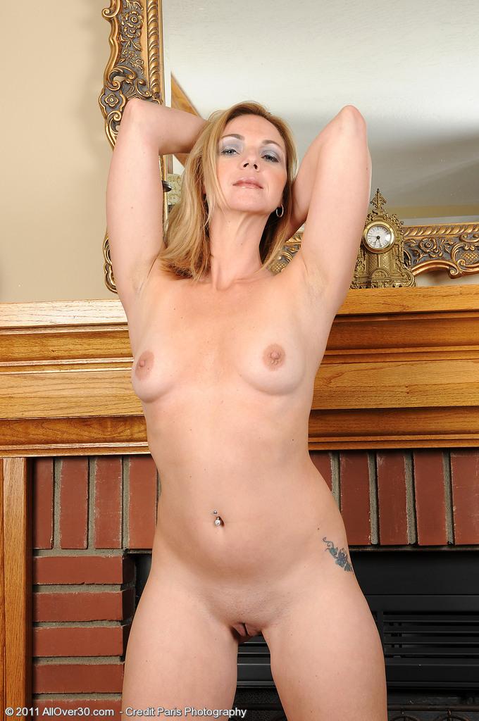 Celebrity Elegant Women Naked Photos