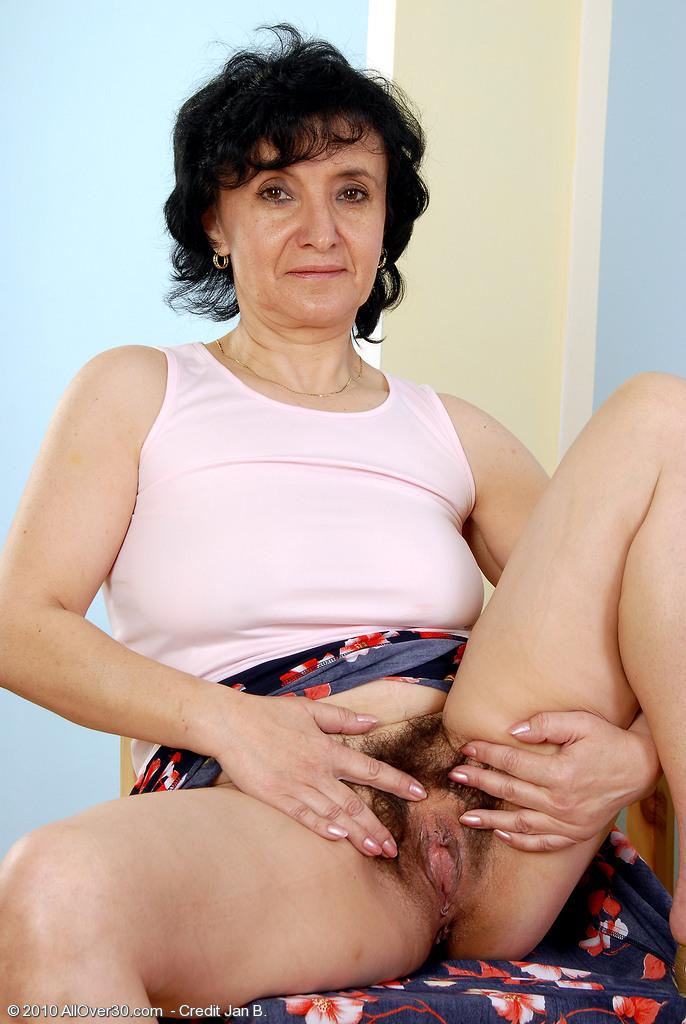 Free young selena gomez naked