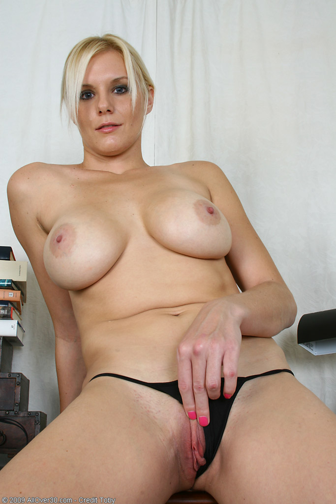 Over 30 Milf - Allover30Com - Featuring Slovanna From -8914