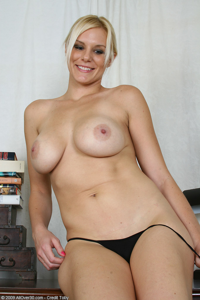 Over 30 Milf - Allover30Com - Featuring Slovanna From -8832