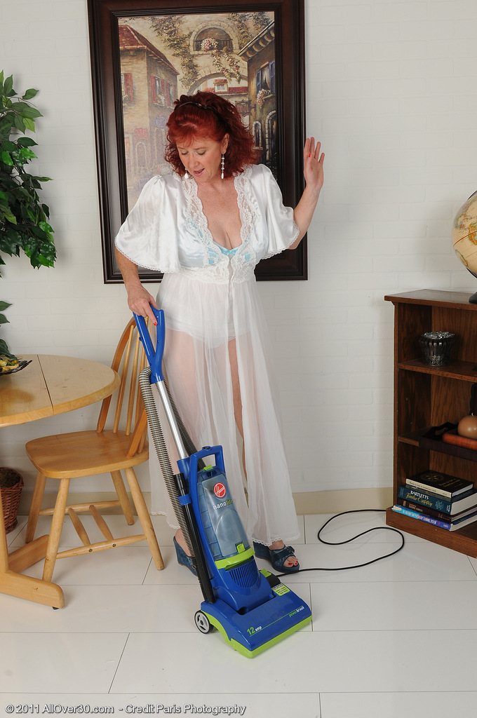 Older wife naked housework