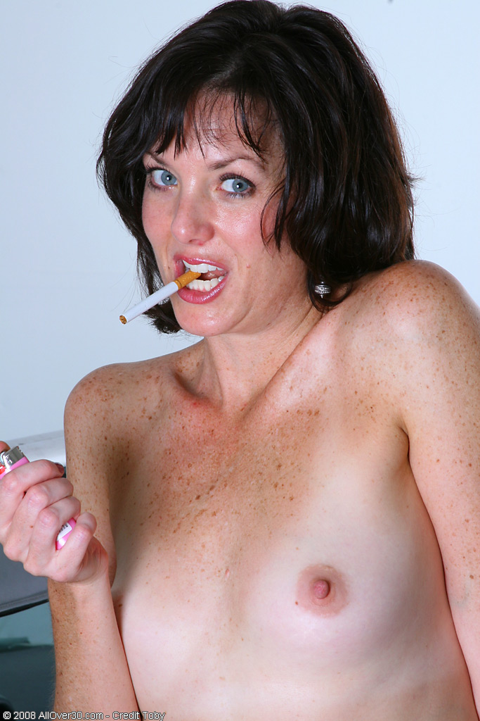 Free mature smokers video — photo 3