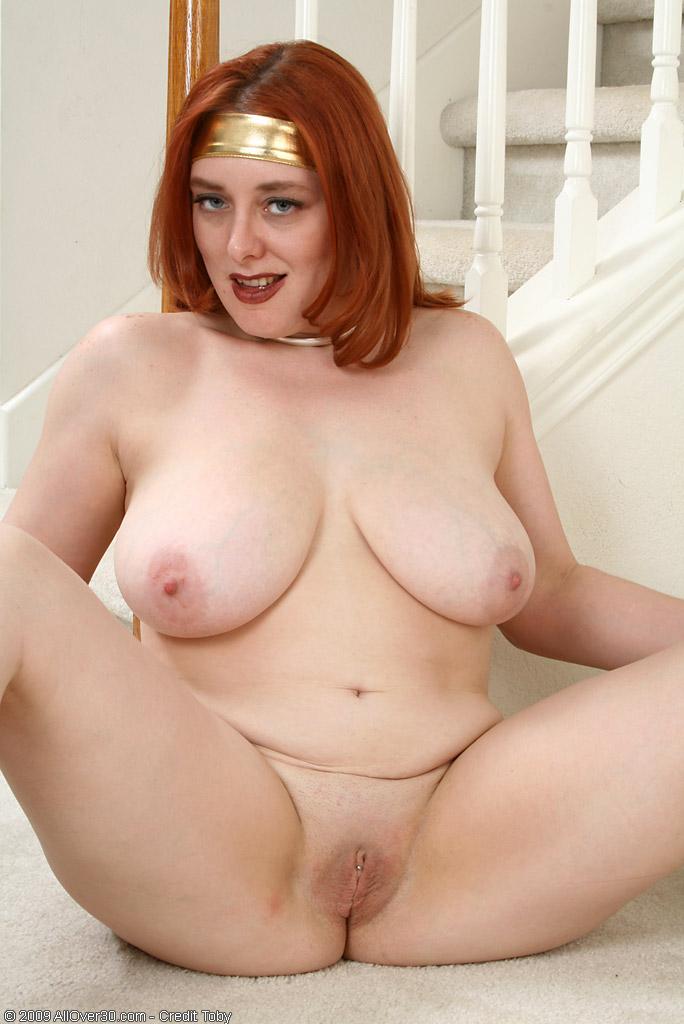 naked mature busty women