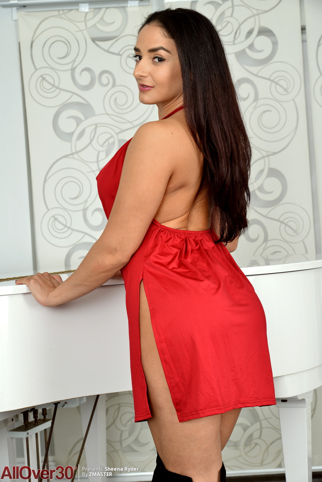 Sheena Ryder from AllOver30